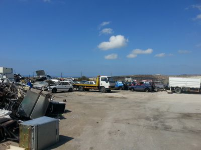 scrapyard breakers parts paphos 02