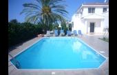 Three bed villa in Coral Bay, L3607