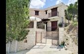 L3811, Three Bedroom Stone Villa in Lysos