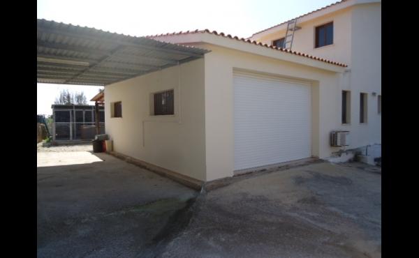 Car port & garage