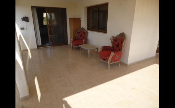 Upstairs balcony left (3)