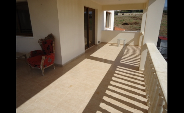 Upstairs balcony middle (2)