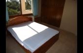 Upstairs bedroom 1 (3)