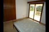 Upstairs bedroom 2 (2)