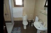 Main bathroom annex